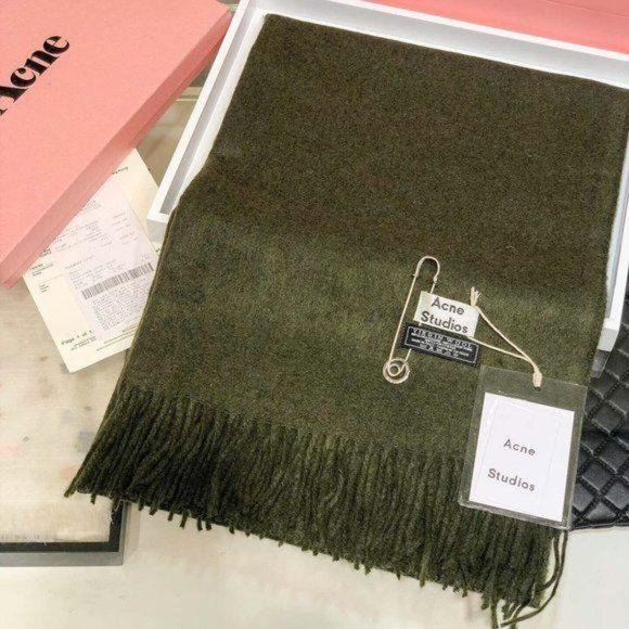 Acne studios Dark green wool scarf